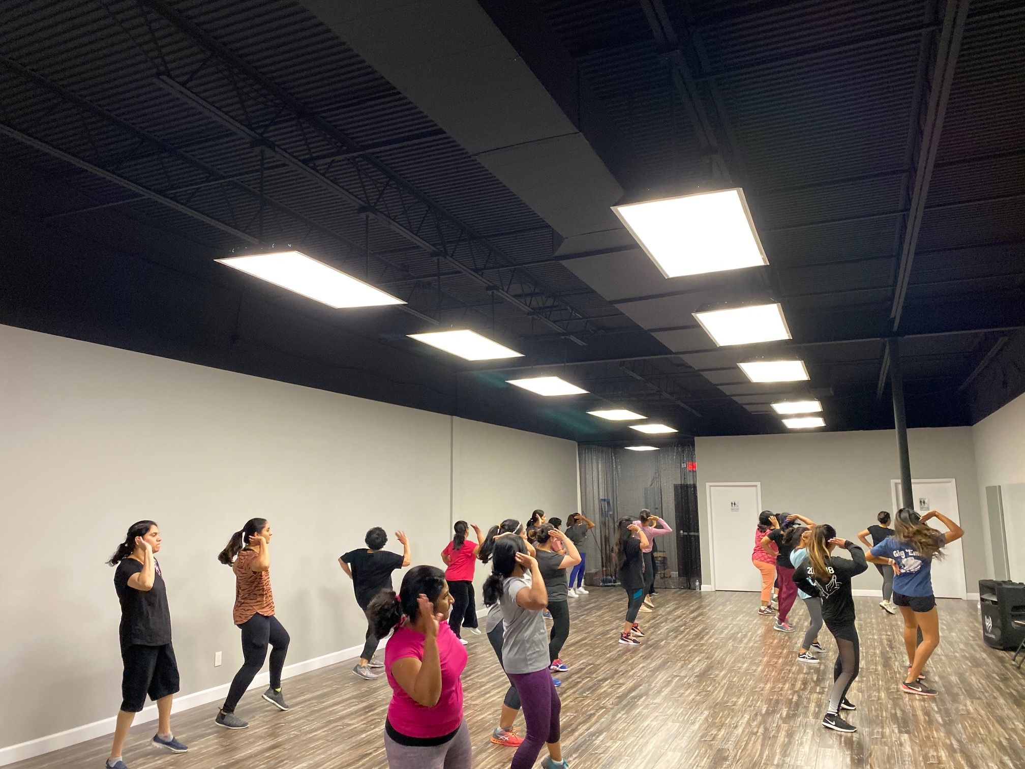 Milaana Dance Bollywood Workout Plano